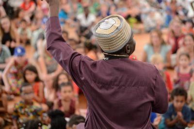 Zahlreiche Menschen besuchen am Samstag (02.06.18) das Africa Festival in Würzburg. Foto: Daniel Peter